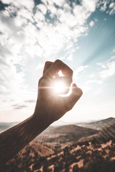 Sonnenlicht auf dere Haut bewirkt die Bildung von Vitamin D - aber nicht immer ausreichend