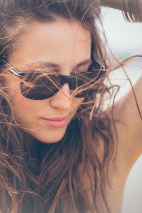 Der richtige Sonnenschutz fürs Gesicht ist bei Akne besonders wichtig.