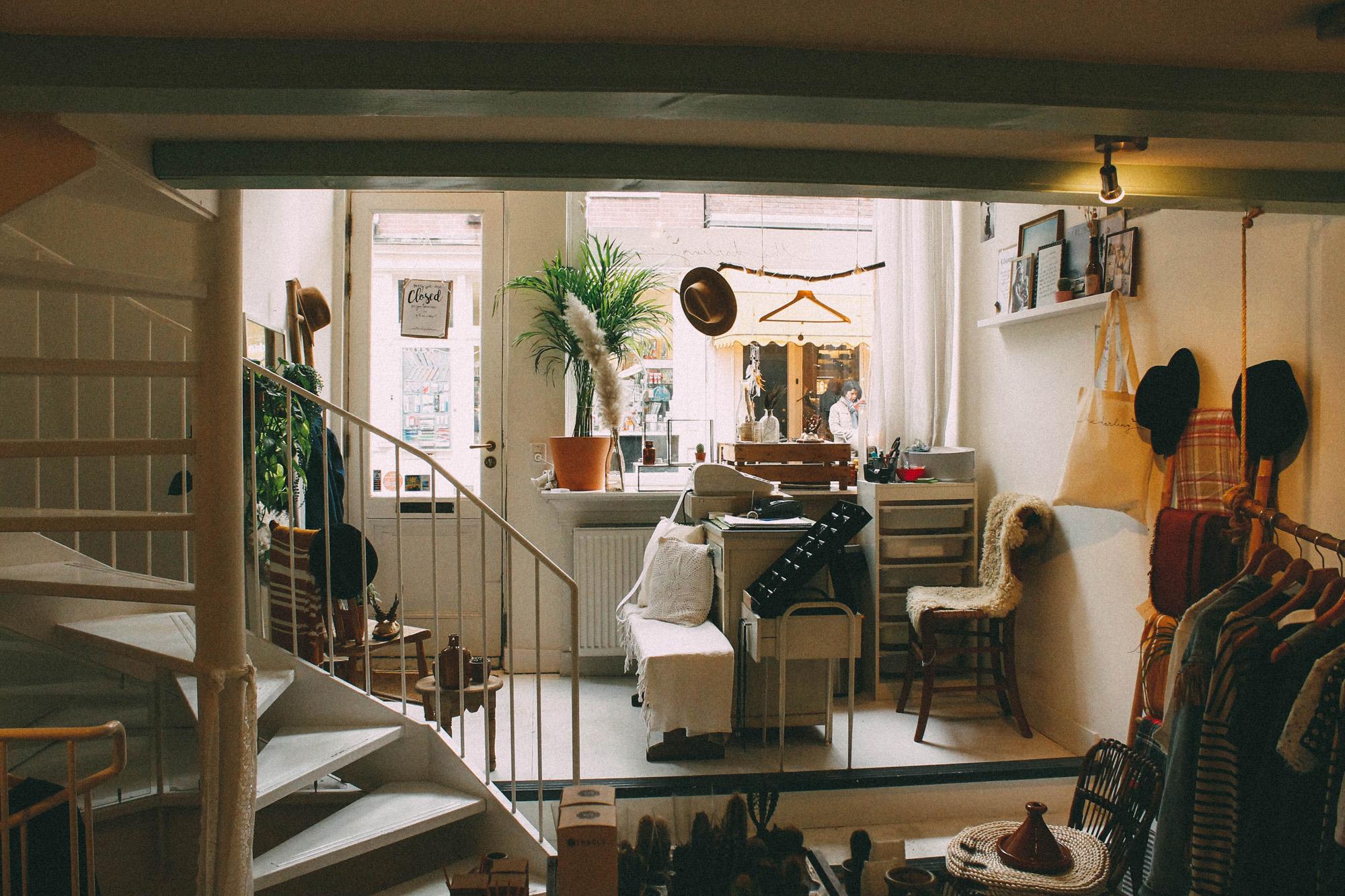 Die Wohnung quillt oft über vor lauter Dingen