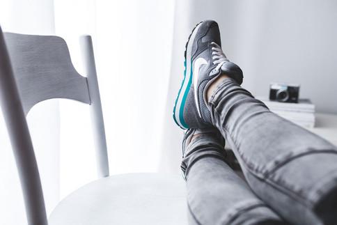 Der Powernap für zwischendurch: Beine hochlegen