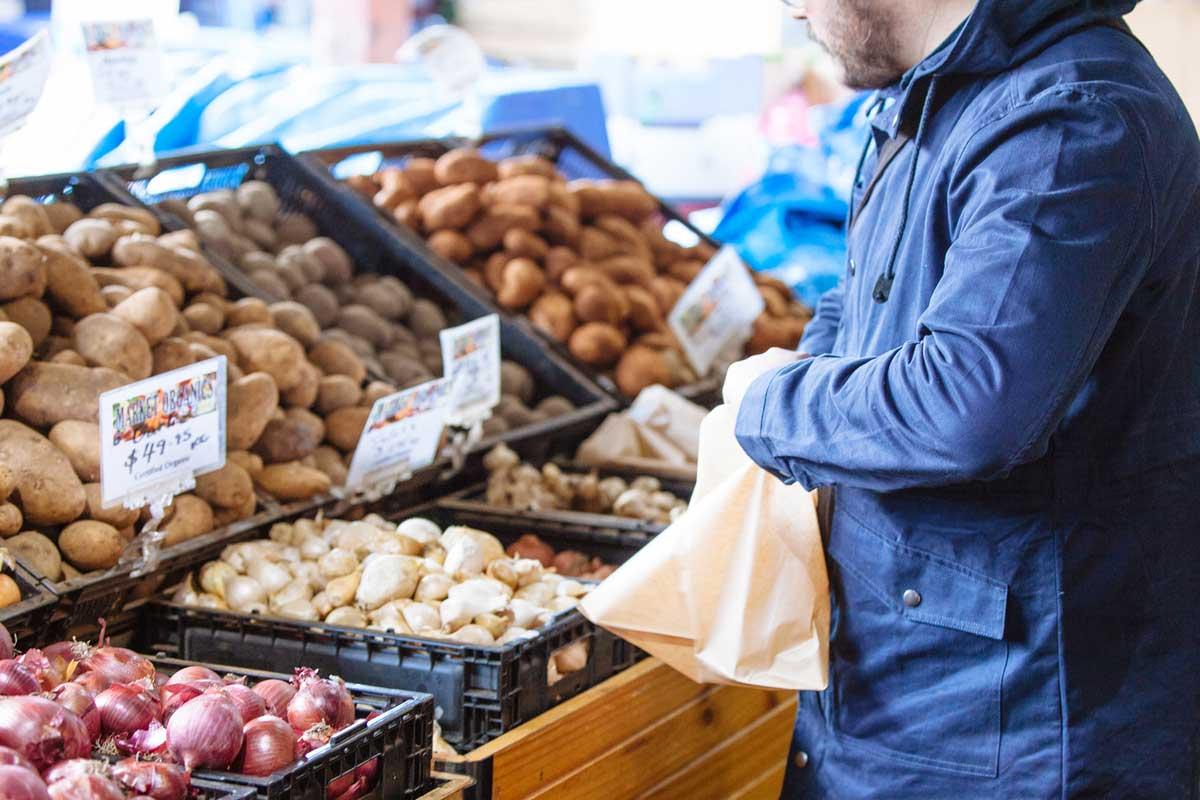 gemueseeinkauf_kartoffel-und-ei-eine-nahrhafte-kombi