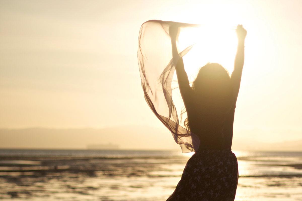 Sonne stresst die Haut wenn diese nicht gut geschützt wird