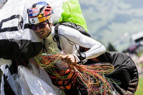 Dolomitenmann - das Team Paragleiter Aaron Durogati