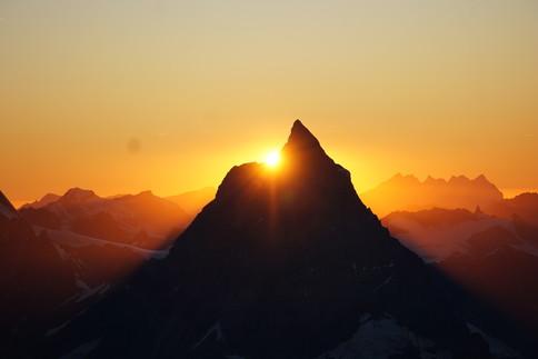 Bergpanorama mit dem Matterhorn