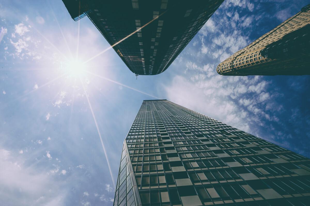 Sonnenstrahlen in der Stadt