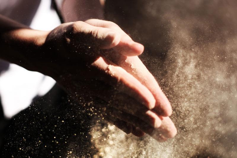 Auch Hände und Nägel beim Mann brauchen Pflege - da darf es schon mal eine Maniküre sein
