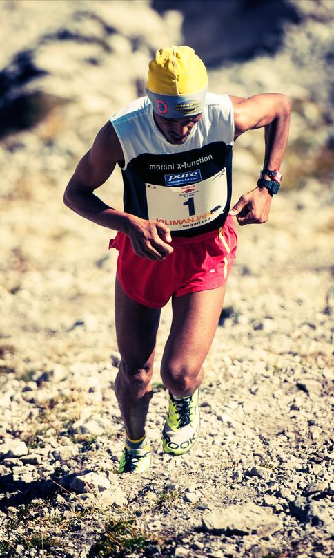 Der Berglauf wurde von Azarya Weldemariam absolviert und stand am Anfang des Rennens.