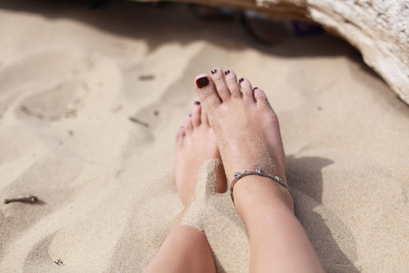 Damit der Urlaub am Strand keine unangenehmen Folgen hat, empfiehlt sich ausreichender Sonnenschutz für die Haut.