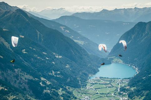 Die Red Bull  X-Alps starten in Salzburg und führen die Athleten bis nach Monaco.